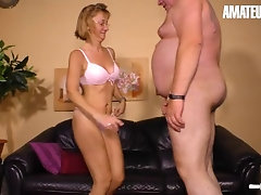 Hausfrau Ficken - Skinny Mature Housewife Cheats On Hubby With Horny Friend