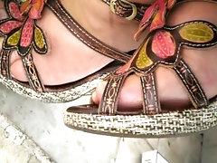les milfs orléanaises ont des pieds sales et odorant 2, smelling feet