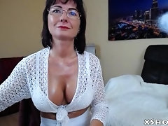 Amateur Mature Woman Masturbating On Camshow