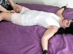Scolastique tickling