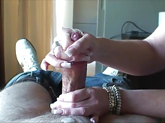 She gives her man a very nice hand job