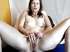 Mature cunt wiht sexy lips! Amateur!