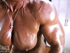 Huge mature bodybuilder 1