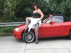 Linda loves her new car