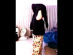 A girl beautiful mom farting up a bubbly fart storm after eating Boil Eggs