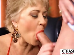 Beauty Not Mom Tracy Licks Fucks Hard Teen Stepson