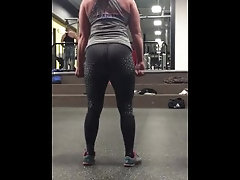 Sexy Milf Bending Over in Leggings at the Gym