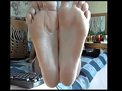 Mature with surprisingly awesome feet