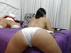 hot sexy bitch is shaking her ass