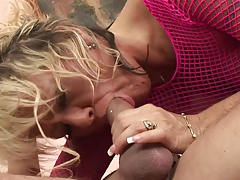 Horny mature pussy wants sex