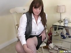 British big breasted housewife Jessie Joe fingering herself