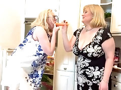 Anna & Cath, cucumber pussy play