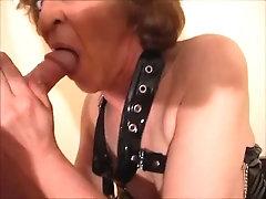 Geile blonde Fetish Oma melkt Deinen Schwanz in Strümpfen und High Heels. Schöne, reife Lady