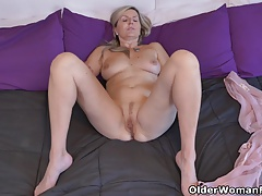 Canadian milfs Bianca and Velvet are ready for fun today