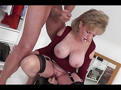 LS blasted with facial while riding a sybian