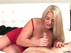 Hot Mom Hj 2