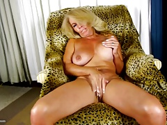 World's BEST mature mothers with hungry holes