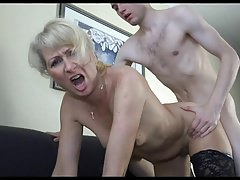 18y Boy Pick A Horny Mom