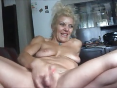 AMAZING WOMEN ON THE CAM 22